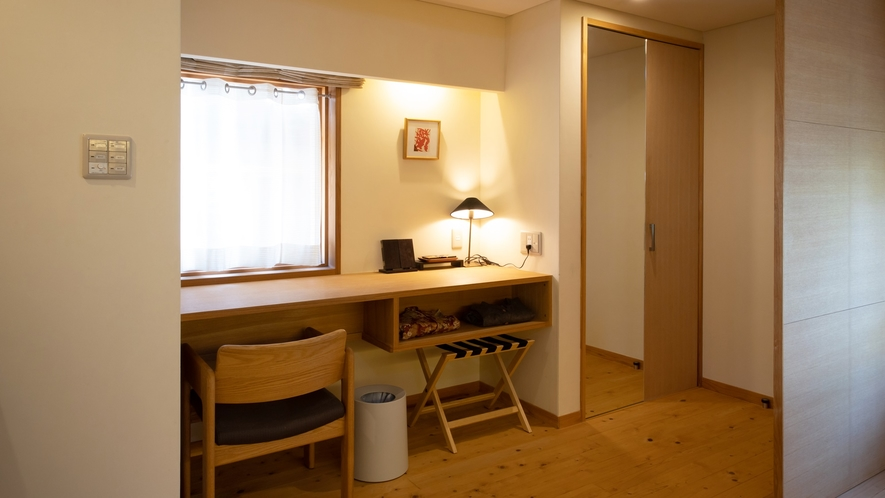 *【Room1・洋室】デスク