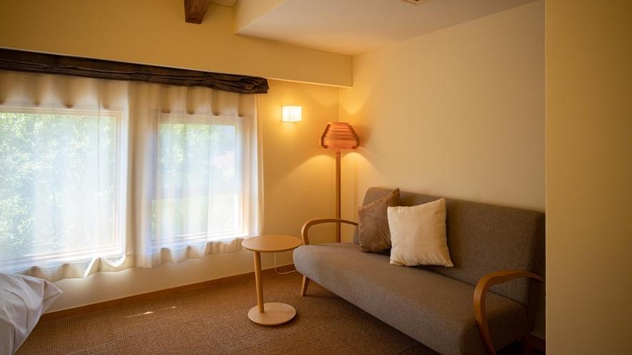 *【Room2・洋室】間接照明が優しい落ち着いた空間