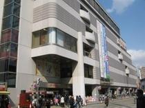 近隣にイトーヨーカ堂がございます。(小岩駅北口)