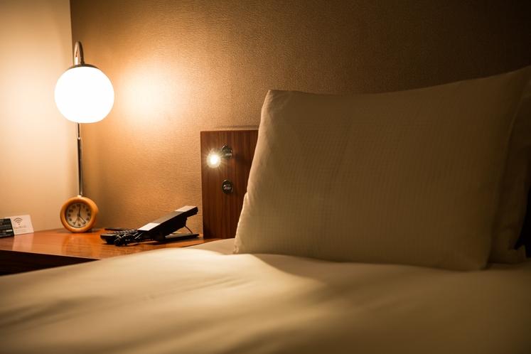 柔らかな照明でゆるやかに眠りへと誘います...