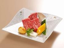 【しまね和牛ステーキ100g@¥3,240税込】とろけるような食感と風味豊かな味わいが特徴。