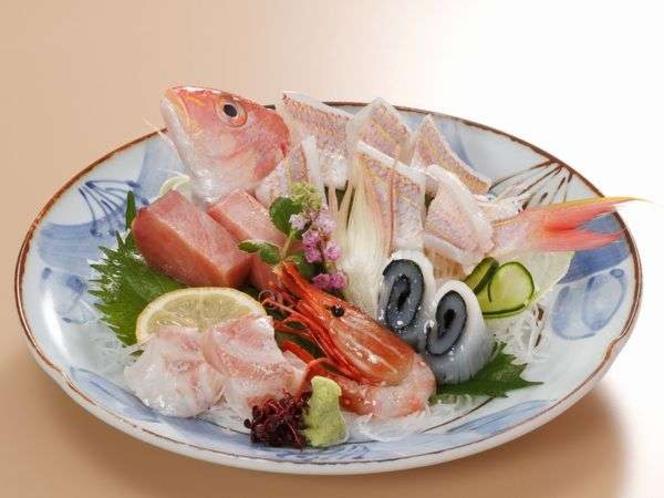 【旬のお造り盛り合わせ@¥時価】日本海の新鮮な海の幸が満載の豪華お造り盛合せ