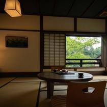 客室【日】川側