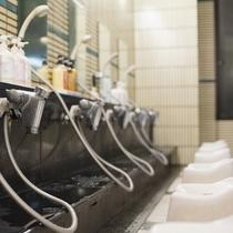 大浴場内湯/シャンプー等数種類ずつご用意しておりますので、使い比べしてみてください(一例)♪