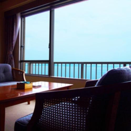 客室一例和室、壮大な景色をみながらお喋り!なんとも贅沢な時間です