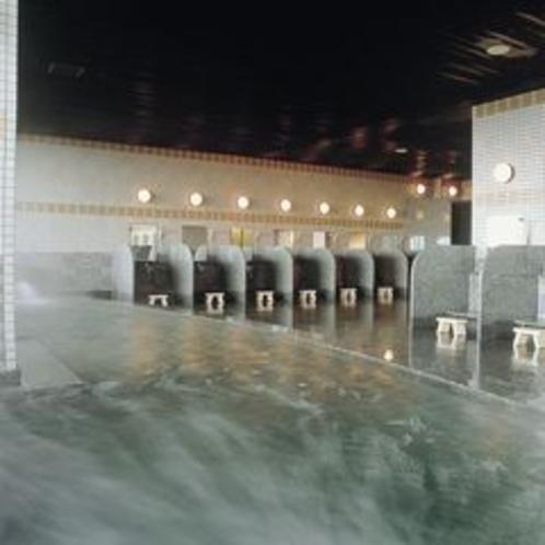 大浴場天然温泉美白泉15~24時翌6~9時半、サウナ16~21時、男女入替制