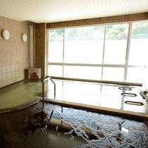【貸切浴場】入浴介助が必要な方のために、貸切できる時間帯があります