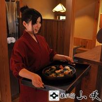 【お食事処のすぐ横が厨房】