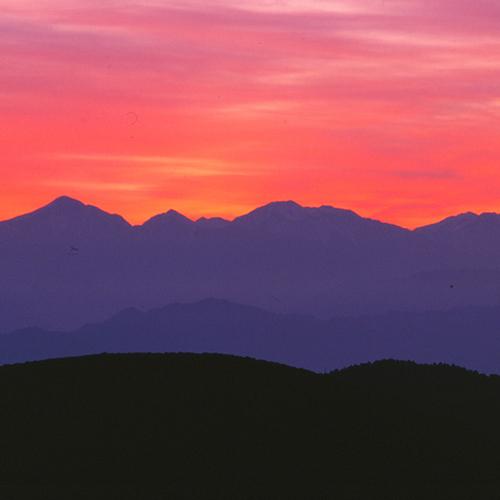 朝焼けの南アルプス