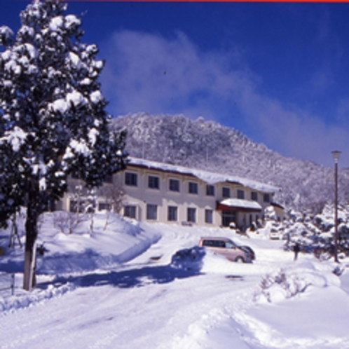 休暇村茶臼山高原の冬