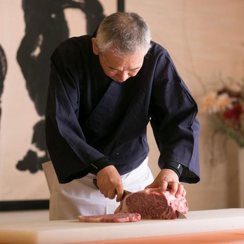 調理長が一品一品こだわった 四季折々の会席料理をご用意しております。