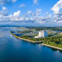 【地上13階建て・総客室数369室】浜名湖畔にたたずむ大型リゾートホテル