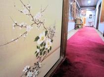廊下の布張り襖