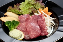 松阪牛の陶板焼(約80g)
