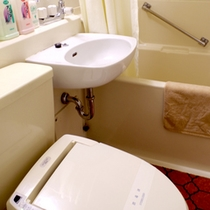 全室ユニットバス・温水洗浄トイレ付きです。
