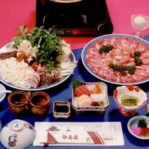 奈良伝統の五徳味噌仕立て「五徳鍋」。