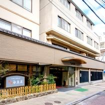 【外観】近鉄奈良駅から徒歩2〜3分★奈良観光はもちろん、京都・大阪へもアクセス◎の好立地!