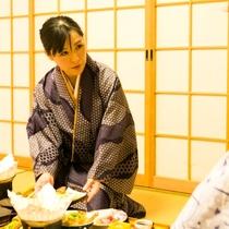 お部屋食が人気♪ご夕食は、お部屋でごゆっくりお召し上がりください。
