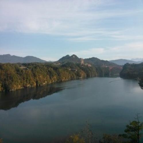 秋の恵那峡