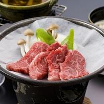 A5等級の飛騨牛の陶板焼き(一例)