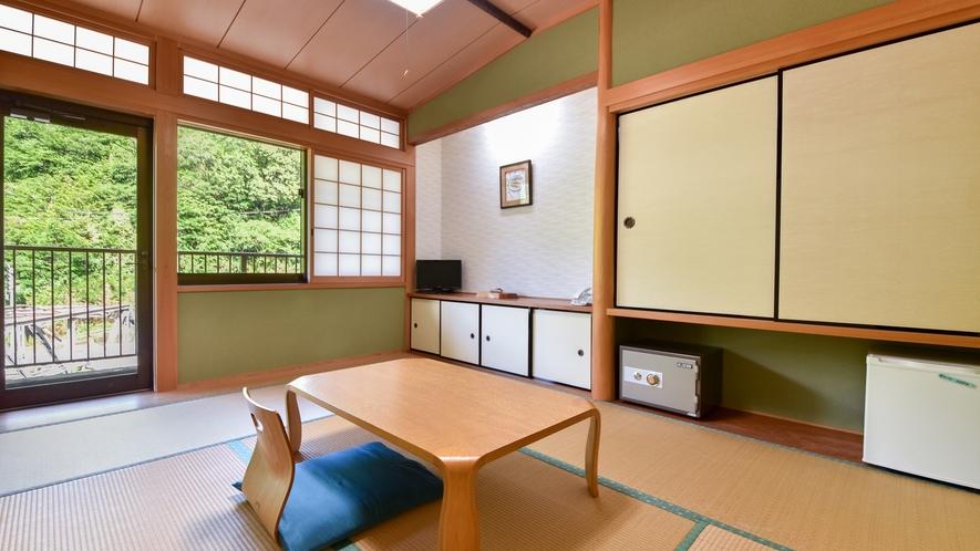 *【和室6畳(一例)】龍神産の檜を使った落ち着いた和室です。