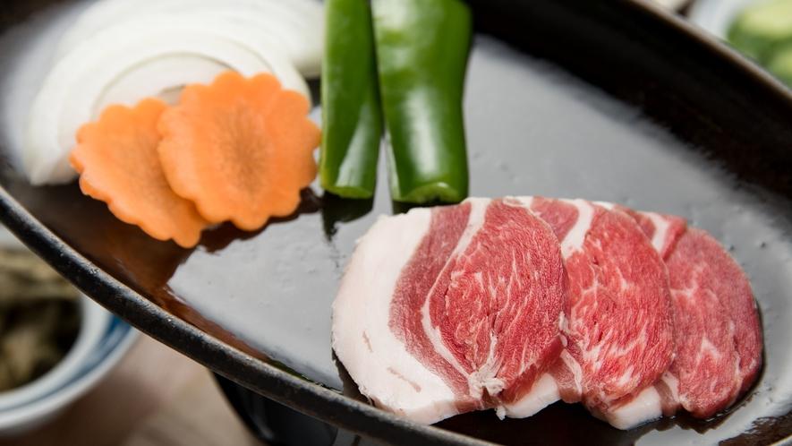 *【夕食一例】ジビエ鉄板焼き