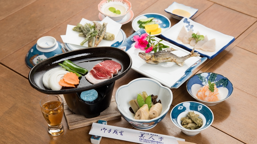 *【ジビエ料理(鉄板)】龍神村の恵みを使った郷土料理です<12品>