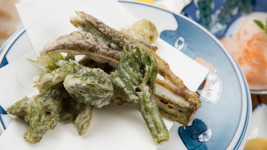 *【夕食一例】地元産を使った季節の天ぷら