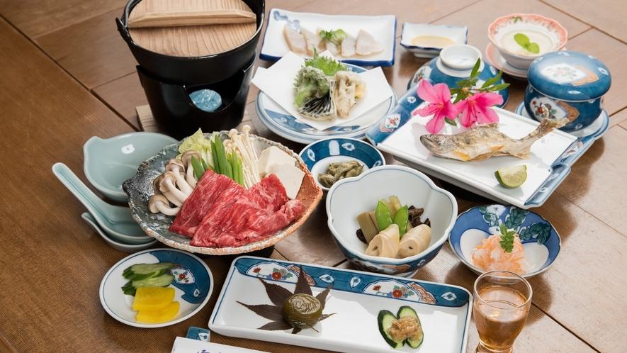 *【熊野牛のすき焼き(小鍋)】きめ細やかで柔らかく、お口に入れると甘みが広がります♪