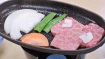 *【夕食一例】ご当地ブランド牛「熊野牛」の鉄板焼き