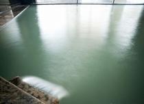 浴場(掛け流しの温泉)