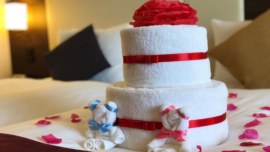 【記念日に】タオルアートのケーキとクマがお部屋でお迎えします