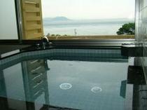 海を望みながらのご入浴をお楽しみ下さい