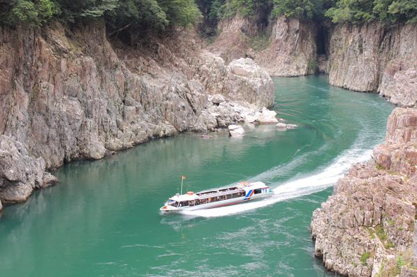 瀞峡ジェット船