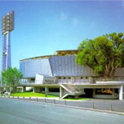 ■藤崎台県営野球場お車で約30分