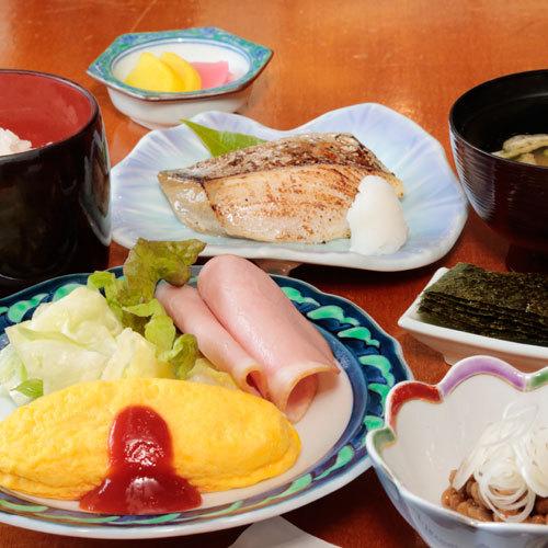 【朝食一例】朝食は1階のレストランでお召し上がりいただけます。7:00〜8:30