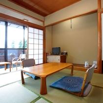 【和室・7.5畳~10畳】和室は別所沼公園側にあります。