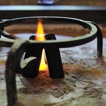 花扇を象徴する囲炉裏でのお出迎えロビー