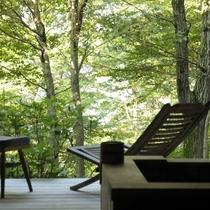 森に囲まれた露天など自然と一体になれるお風呂