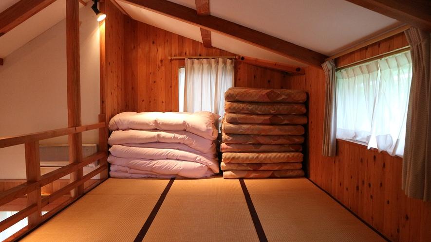 *[コテージ/シングル棟]ロフトの寝室。お布団は各自で敷いて下さい。
