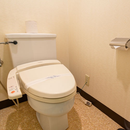 *ツイン(客室一例)/ユニットバス&トイレ完備いたしております。