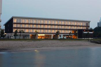 外観 海から見た皆生ホテル
