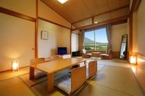 【和室(12畳間+広縁)】南部富士「岩手山」と一帯の牧野の絶景を望む落ち着いたお部屋です