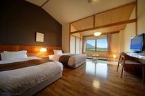 【和洋室(38.1㎡)】南部富士「岩手山」と一帯の牧野を望む眺望抜群のお部屋です