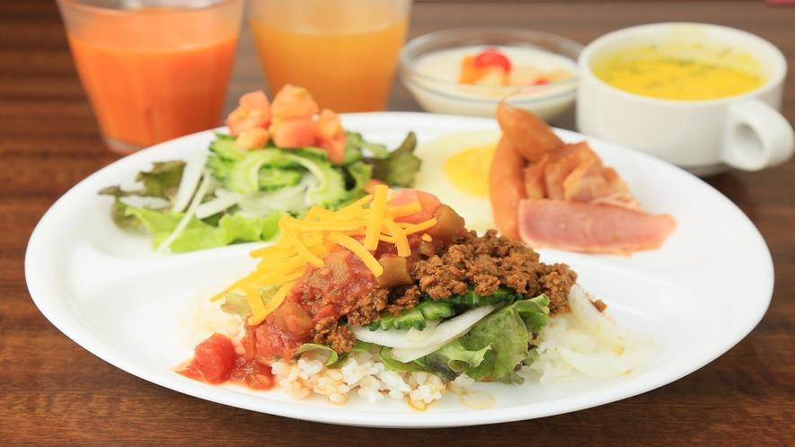 朝食一例・タコライス