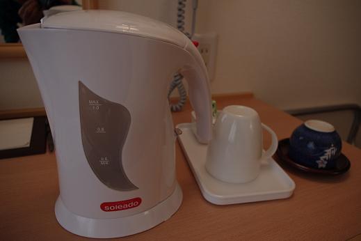 [電気ポット] 温かいお茶・コーヒーやカップ麺などを作るのにとても便利