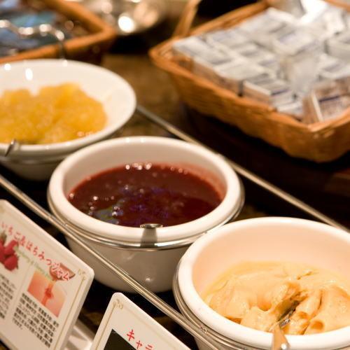 【朝食】パン・トッピング