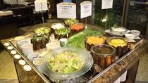 【朝食】新鮮な野菜のみを使用したフレッシュサラダコーナー