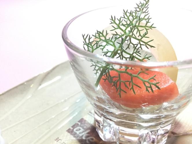 前菜の一品 季節の野菜の自家製ピクルス