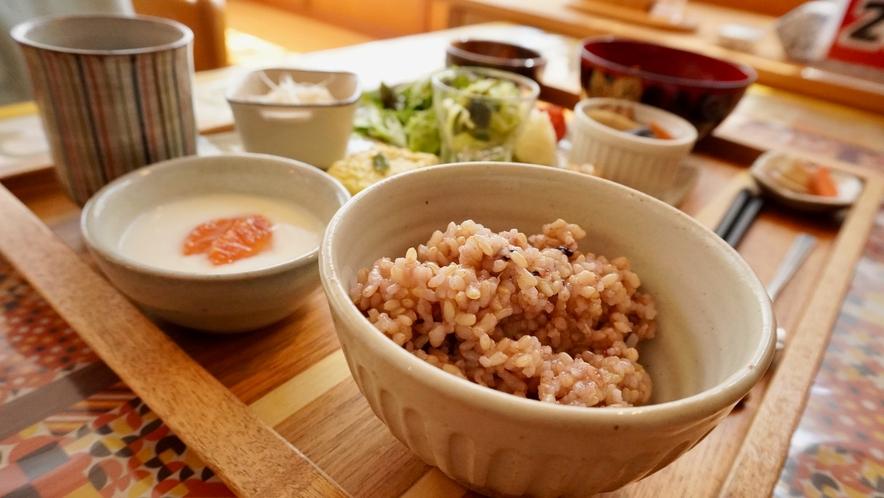 発酵食と玄米菜食で、カラダ喜ぶ朝ごはん。